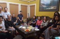 Việt Khang trong buổi sinh hoạt tâm tình với thành viên, cảm tình viên Hưng Ca